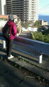 伊豆熱川駅の方向を望む