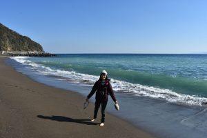 伊豆熱川ビーチでアーシング