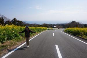 海へ向かう山道1
